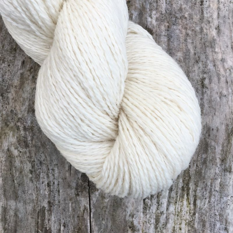 01 Fleece White 4ply